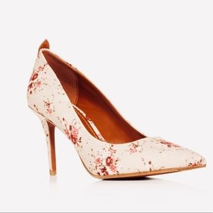 Women's waverly floral print pointed tow pumps
